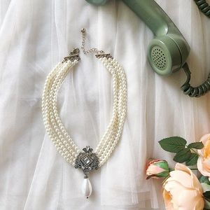 Jewelry - Choker Pearl Necklace